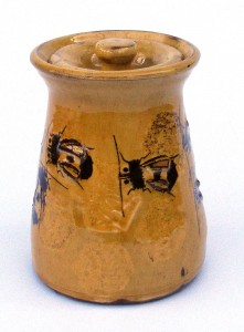 Jar with bee decoration 15 cm high